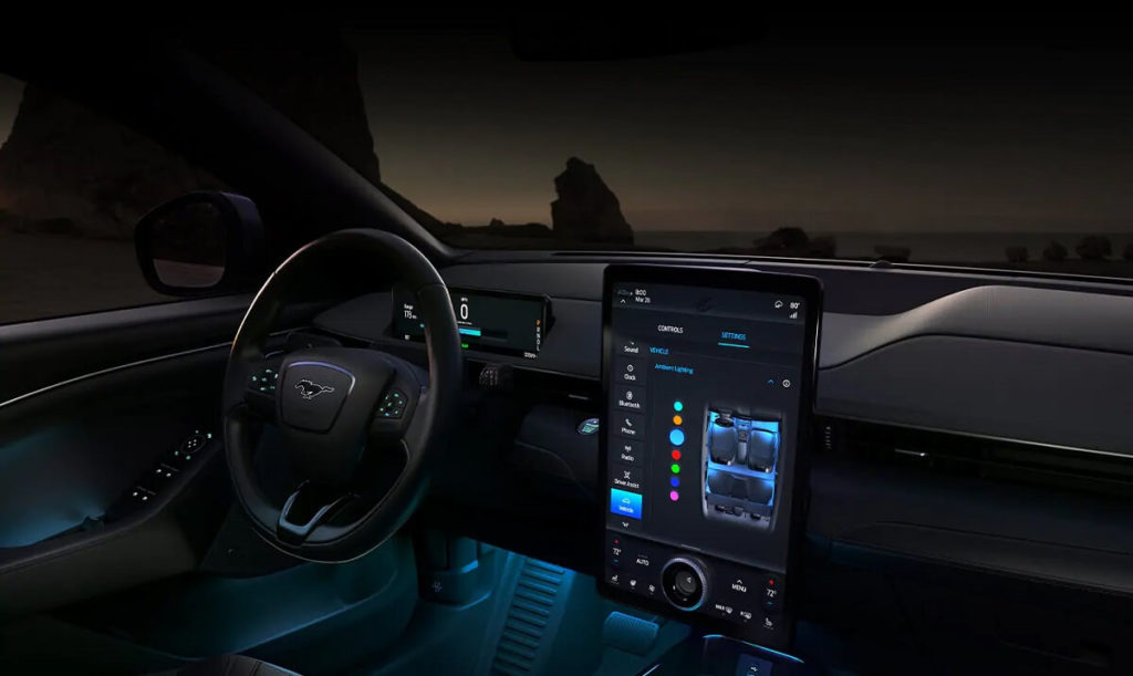 Ford mustang mach-e vzhled interiéru