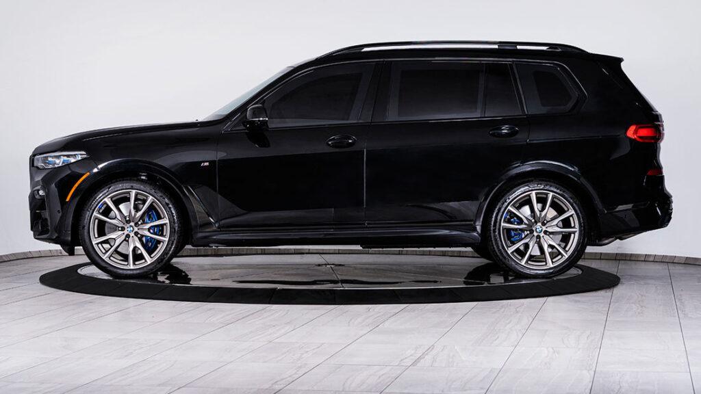 Inkas-BMW-X7-bok